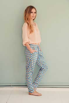 Lässige Sommerhose mit geometrischem Muster / casual summer trousers with geometric pattern made by Bonnie & Buttermilk via DaWanda.com