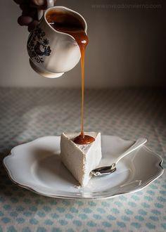 tarta de queso al horno Ingredientes 750 g de queso crema 125 g de nata líquida para montar 230 g de azúcar (o la cantidad equivalente de vuestro edulcorante favorito, 115 g de tagatosa* en mi caso) 1½ cda. de harina floja (o de Maizena si queremos la tarta sin gluten**) 1 pizco de sal 2 cdtas. de extracto de vainilla 3 huevos y 2 yemas