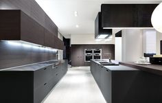 Lacquered linear wooden kitchen KYTON - Varenna by Poliform