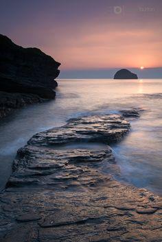 Gull Rock Sunset. Trebarwith Strand, Cornwall. England.