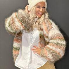 Mohair Cardigan, Orange Cardigan, Women's Sweaters, Knitting Designs, Women's Fashion, Fashion Design, Warm And Cozy, Fur Coat, Winter Hats
