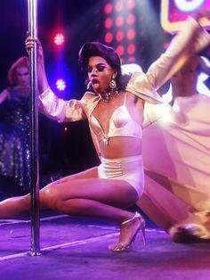 Naomi dance erotic for