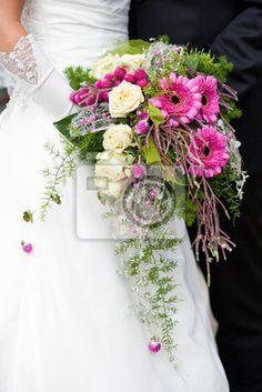 Die 130 Besten Bilder Von Kaskaden Blumenstrausse In 2019 Bridal
