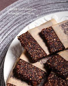Zdrowe batoniki czekoladowe bez cukru, bez glutenu i bez pieczenia