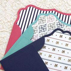 【楽天一位!】シュエット レターセット (ネイビー・百合の紋章) - 海外紙もの・輸入マスキングテープ通販のスモールセレクト | マルシェ袋・ラッピング・スクラップブッキング Stationery Pens, Letter Set, Packaging Design, I Am Awesome, Envelope, Outdoor Blanket, Branding, Kids Rugs, Graphic Design
