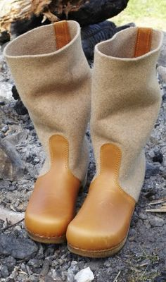 http://www.plumo.com/products/Felt-clog-boots.html