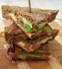 Koolhydraatarme Tosti Avocado - Powered by Breakfast Recipes, Snack Recipes, Healthy Recipes, Pita Wrap, Weight Watchers Lunches, Brunch, Go For It, Yummy Snacks, Superfood