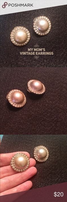 🎈Host Pick🎈Vintage Pearl & Crystal Earrings Elegant vintage pearl and crystal costume earrings.  I finally decided to slowly pass on my mom's vintage jewelry collection.  I hope you are the one to wear these beautiful earrings and ENJOY!  ✨✨OFFERS ACCEPTED✨✨ Jewelry Earrings