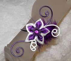 Bracelet violet blanc fleur alu violet/blanc mariage fête : Bracelet par soleildelune-bijoux-mariage-ceremonie, personnalisable à vos couleurs...
