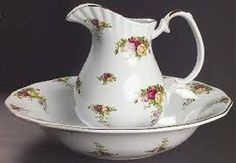 I ❤ roses . . . Royal Albert Vintage Old Country Roses Pitcher & Basin