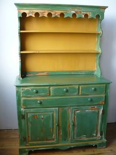 Yellow and green Hutch