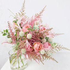 泡のように繊細で可愛いお花・アスチルベで作るブーケデザイン | marry[マリー]
