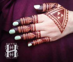 Mehndi Tribal Henna Designs, Latest Henna Designs, Henna Mehndi, Mehendi, Hand Henna, Ladies Suits Indian, Suits For Women, Mahndi Design, Beautiful Henna Designs