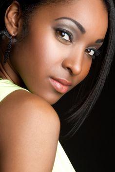 30 meilleures images du tableau maquillage peau noir. Black Bedroom Furniture Sets. Home Design Ideas