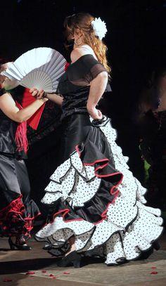 créer ensemble votre robe ou jupe de flamenco et sevillane