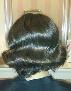 Ana optó por unas #ondas muy marcadas estilo vintage años 50, para asistir como madrina en un bautizo.