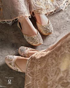 Indian Shoes, Espadrilles, Indian Designer Wear, Fancy, Beautiful Shoes, Fashion Outfits, Womens Fashion, Pretty Outfits, Wedding Shoes