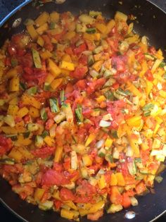 A wonderful fresh allotment vegetable sauce for our pasta!