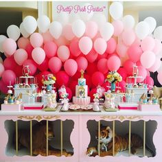On point!! Gorgeous dessert display by @prettyposhparties #carnivaltheme #balloons #dessert #cake #cakeart #poshparties #partyideas #carnival #poshkids #luxury #kidsevents #glam