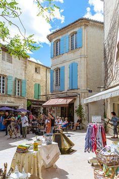 France, Provence Alps Cote d'Azur, Saint Remy de Provence. Musicians performing in a square