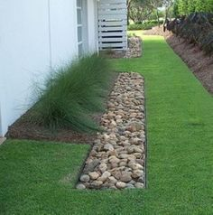 Gorgeous 41 Eco-Friendly Landscaping Design for Frontyard and Backyard https://toparchitecture.net/2018/03/05/41-eco-friendly-landscaping-design-frontyard-backyard/