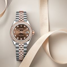 The Rolex Lady-Datejust 28 in Everose Rolesor - combination of Oystersteel and 18 ct Everose gold, 28 mm case, Chocolate set with diamonds dial, Jubilee bracelet. The classic watch of reference. Rolex Day Date, Rolex Watch Price, Gold Rolex, Men's Rolex, Black Rolex, Rolex Presidential, Rolex Logo, Rolex Women, Pearl Set