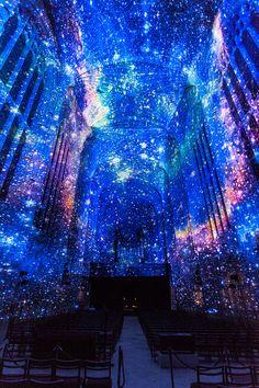 miguel chevalier proyección luces iglesia de cambridge