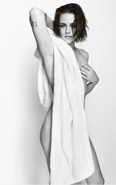 クリステン・スチュワート|マリオ・テスティーノが激写!セレブがタオル一枚になったら……|エル・ガール・オンライン