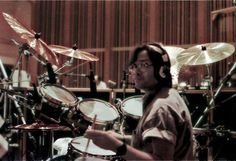 Great Jeff Porcaro in the studio!