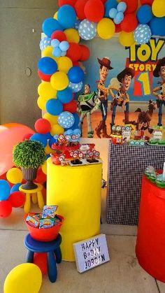 Woody Birthday, Boys 1st Birthday Cake, Boys First Birthday Party Ideas, Birthday Themes For Boys, Kids Party Themes, Toy Story Birthday, Toy Story Theme, Festa Toy Story, Toy Story Party