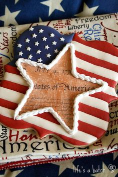 Gimme-Your-John-Hancock Star Cookies. Sugar Cookie Royal Icing, Best Sugar Cookies, Star Cookies, Fancy Cookies, Iced Cookies, Cut Out Cookies, 4th Of July Celebration, Fourth Of July, American Flag Cookies