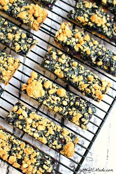 Blueberry Oatmeal Breakfast Bars by DelightfulEMade.com