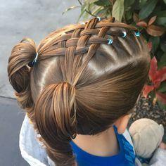 "27 curtidas, 5 comentários - Larissa (@keevas_curls) no Instagram: ""Simple pull through braid this morning. #braidstyles #pullthroughbraid #braidsforkids…"""
