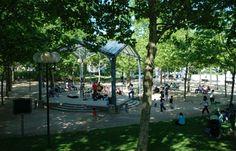 Parc Georges Brassens - Le parc Georges Brassens rend hommage au célèbre chanteur et poète, qui a vécu non loin. Il est situé dans le 15e...