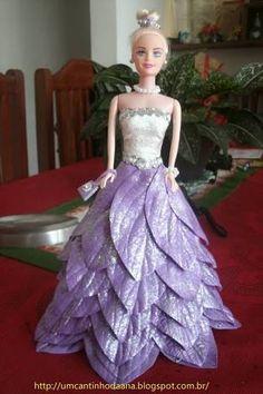 Resultado de imagem para barbie com roupa de eva passo a passo