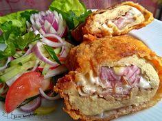 töltött csirkecomb filé1 Meat Recipes, Chicken Recipes, Cooking Recipes, Healthy Recipes, Ital Food, Hungarian Recipes, Food To Make, Bacon, Food And Drink