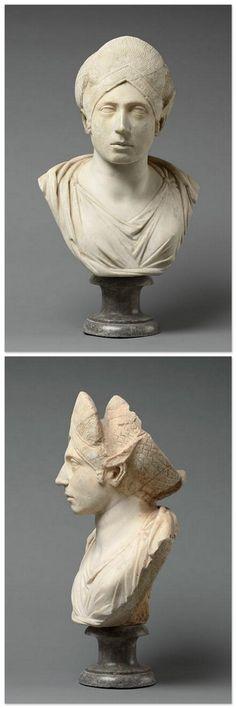 Statue Fragment. Roman Empire BC 27 - AD 235. | Photo (C) RMN-Grand Palais (musée du Louvre) / Hervé Lewandowski