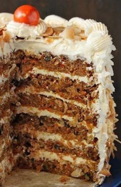 Cake with Coconut Cream Cheese Buttercream This carrot cake recipe produces a gorgeous, tall carrot cake with a rich coconut cream cheese frosting.This carrot cake recipe produces a gorgeous, tall carrot cake with a rich coconut cream cheese frosting. Baking Recipes, Cake Recipes, Dessert Recipes, Food Cakes, Cupcake Cakes, Just Desserts, Delicious Desserts, Cream Cheese Buttercream, Buttercream Recipe