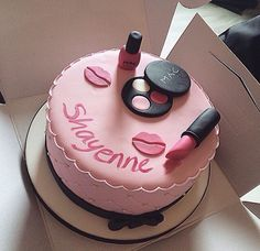 Cake Desing For Girls Flower 45 Ideas For 2019 Birthday Cakes For Women, Cool Birthday Cakes, Birthday Cake Girls, Fondant Cakes, Cupcake Cakes, Bolo Chanel, Makeup Birthday Cakes, Cake Mix Pancakes, Lipstick Cake