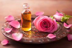 فوائد زيت الورد للبشرة.. الفوائد الصحية والجمالية لزيت الورد