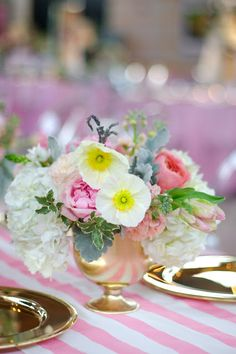 Floral fancy | More on the Luscious website: http://mylusciouslife.com/photo-galleries/floral-fancy-all-things-related-to-flowers-floral-fashion-and-decor/