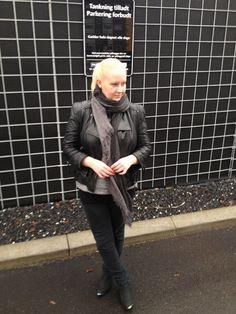 Black Swan - Black Alvilda sweat - Comfy Chic