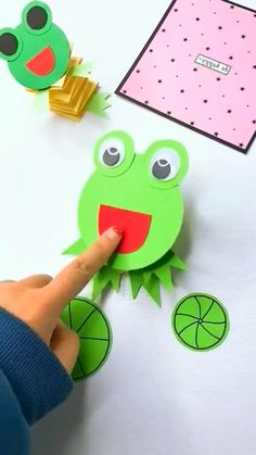 Shape Activities Kindergarten, Kids Learning Activities, Montessori Activities, Frog Crafts, Owl Crafts, Preschool Crafts, Summer Crafts For Kids, Paper Crafts For Kids, Diy For Kids
