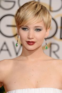 The 10 Golden Globes Beauty Looks That Will Inspire You All Year - Jennifer Lawrence