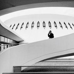 """Le Volcan - Si vous aimez cette photo, inscrivez-vous sur Notoryou et votez pour moi ! Cliquez sur le lien """"visiter"""". Photographie noir et blanc - Le Havre - Espace Oscar Niemeyer - 2016"""