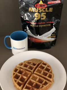 Proteinwaffeln. In der Halbsünden-Variante.   Blog   fittention - Pay attention to your fitness. You Fitness, Waffles, Blog, Breakfast, Recipes, Morning Coffee, Waffle, Morning Breakfast