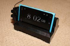DIY: un socle pour téléphone (Nokia Lumia 900) en Lego! on http://www.maximejohnson.com/techno