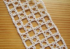 How to make the Rose Ground or Virgin Ground with bobbin lace - a great checkboard design.