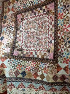 Full medallion quilt Northumbria England, Georgian era. Quilt & Textiles