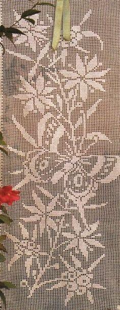 Professione Donna: Schemi per il filet: Tenda con farfalle e fiori